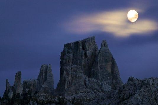 luna-sulle-torri