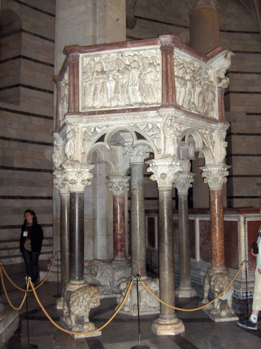 Pisa_Baptistery_pulpit01